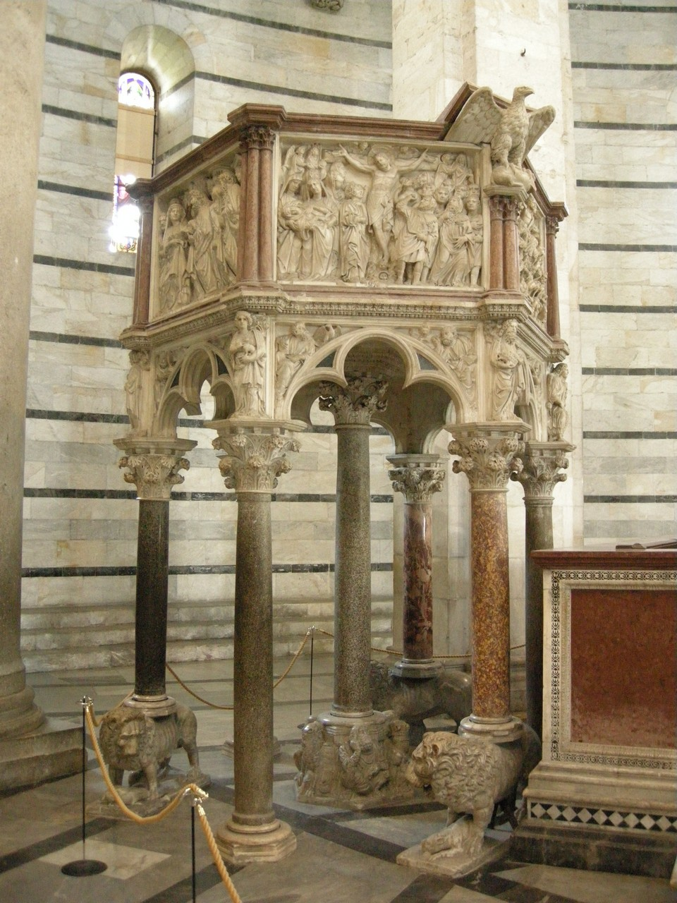 Pisa pulpit