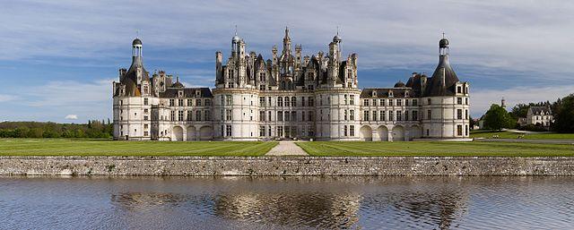 640px chambord castle northwest facade