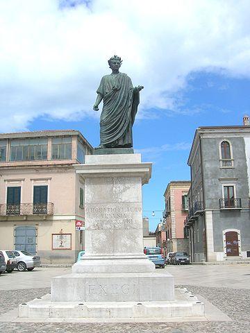 360px statua di orazio